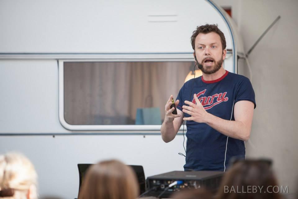 """Foredrag på """"Værksted"""" - et fællesskab for selvstændige. Foto Jesper Balleby"""